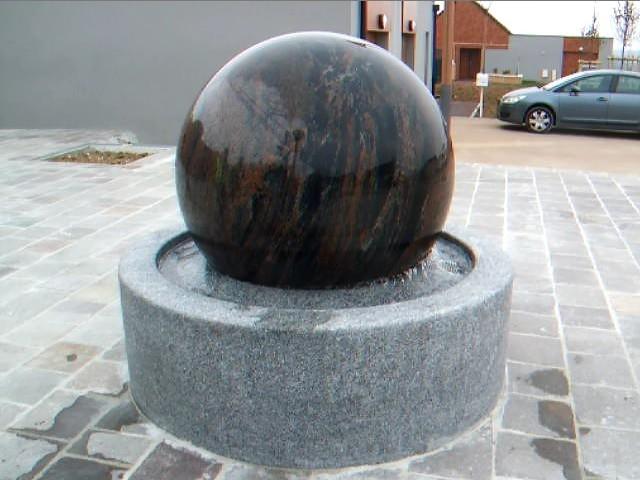 fontaine boule exterieur perfect boule pierre deco jardin with fontaine boule exterieur free. Black Bedroom Furniture Sets. Home Design Ideas